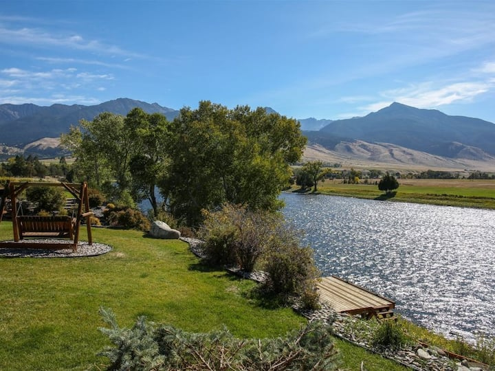Riverfront - Private Dock in Paradise Valley