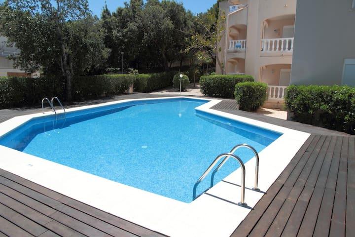 Apartment near the beach with swimmingpool