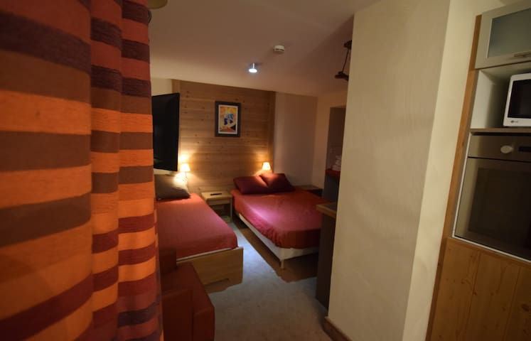 1Studio 4*- Pool - Sauna - Wifi - View - Fully equipped - At the ski slopes