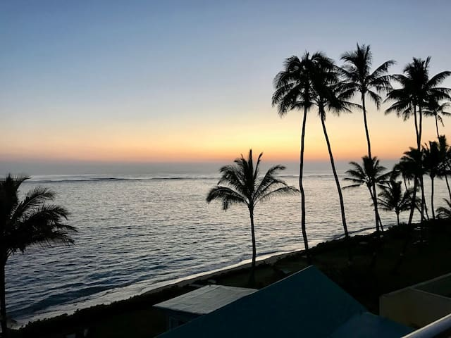 Sunrise 502, beachfront/ocean condo, sleep 4
