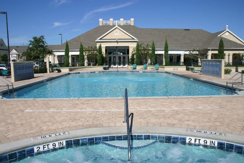 Clean, well-maintained and heated pool at the Clubhouse!