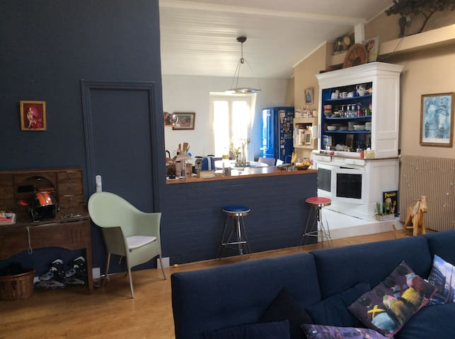 2 Bedroom in 85 M2 Apartment.  Artist studio
