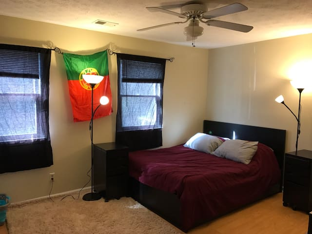 Townhome Bedroom - Alpharetta