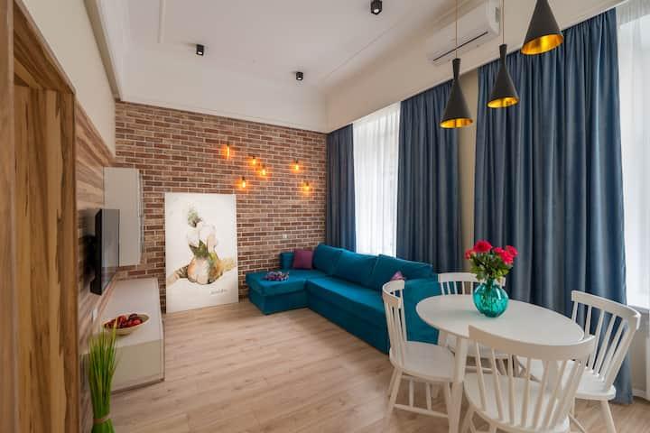 Super VIP Apartment on Sofievskaya Square ID 8003