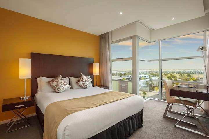 Quest Caroline Springs 1 Bedroom Apartment - Caroline Springs - Apartemen