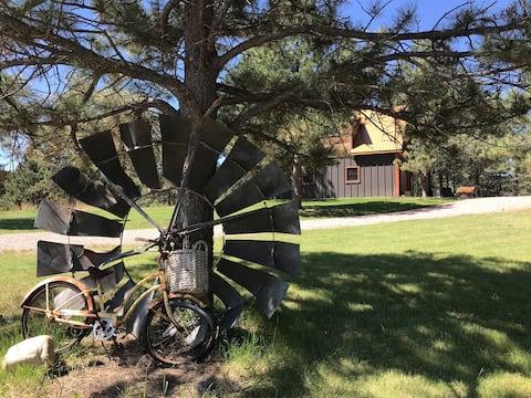 Copperleaf Cottage - Quiet Bungalow in Black Hills