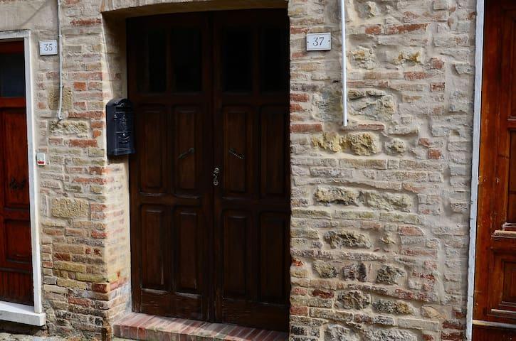 Appartamento vacanze al piano terra - Penna San Giovanni - Byt