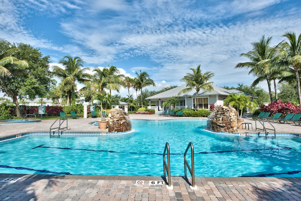 3 Bedroom Condo with Golf Views, Resort Style Pool - Solterra Golf Condo in the Lely Resort - Naples Florida Vacation Homes