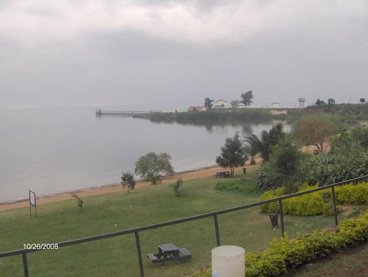 Lake Victoria Sundowner
