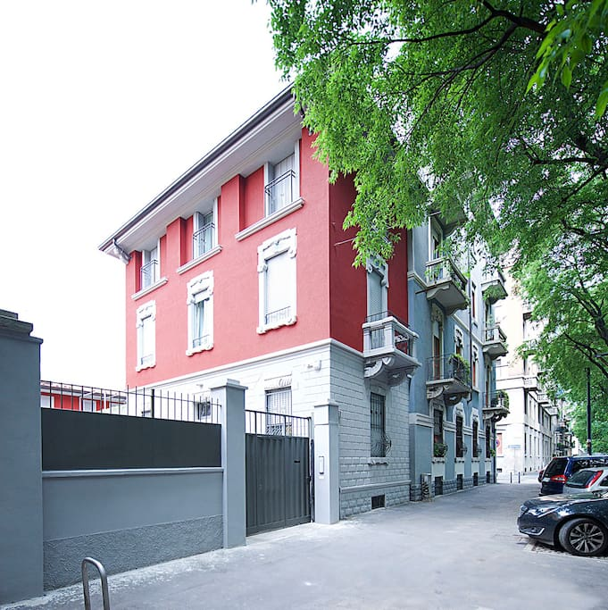BLUE FLAT STAYS AT THE UPPER GROUND FLOOR WITH DIRECT ACCESS TO THE TERRACE and GARDEN