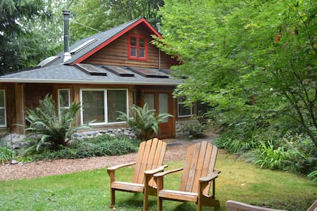 Sea View Tree House - Langley - Kabin