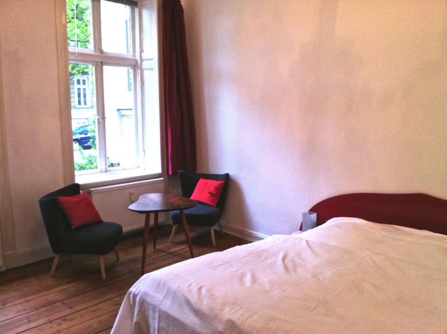 Unser größtes Schlafzimmer - der rote Salon