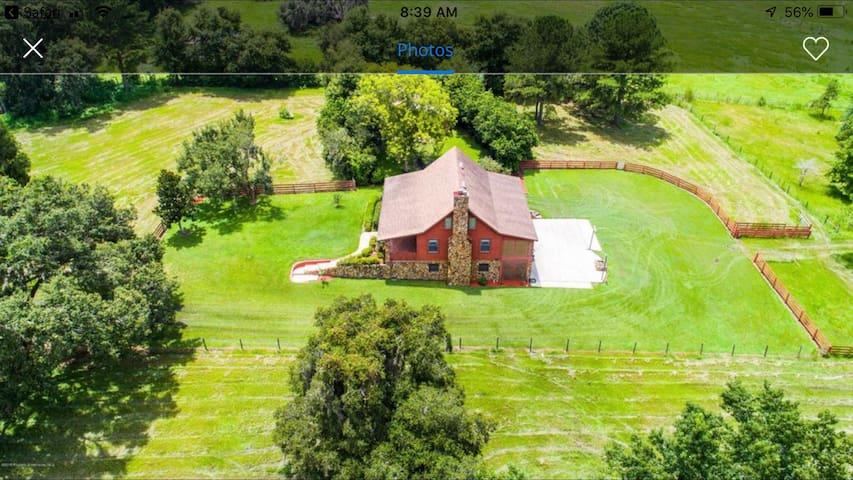 Farmhouse peace & serenity close to every amenity