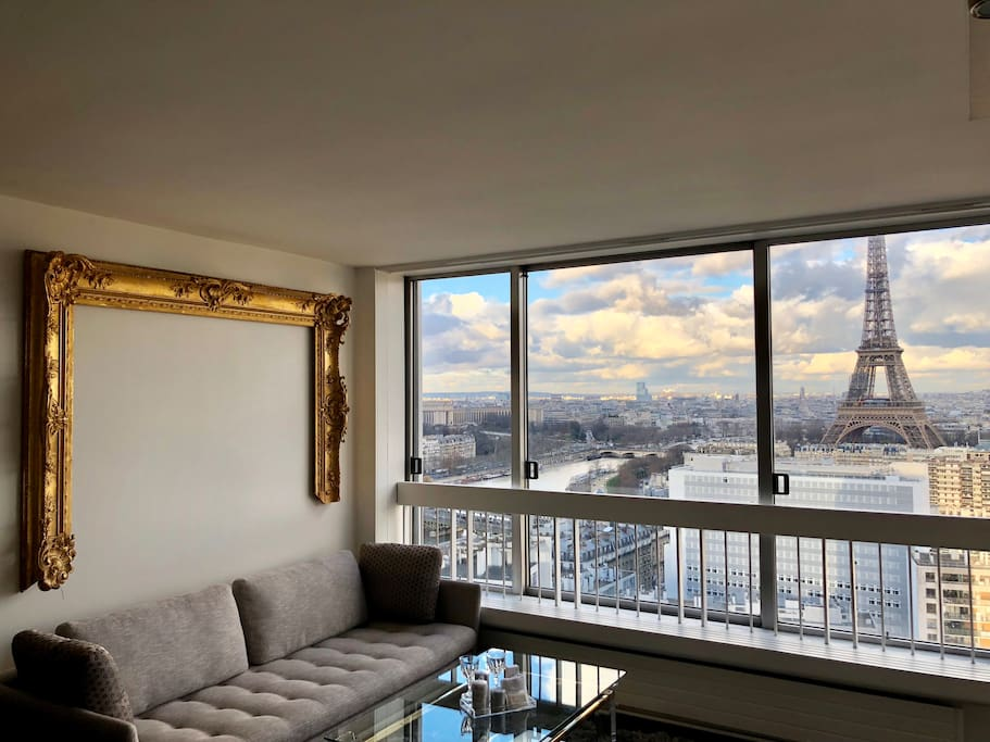 Très bel Espace Salon. Breath taking view from the Living room