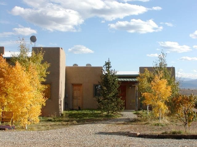 Introvert Heaven 10 min from Taos - El Prado - Bungalov