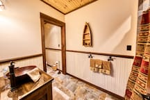 Ledgerock Meadow en suite bath