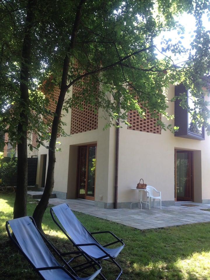 Lago Maggiore, little house in wood