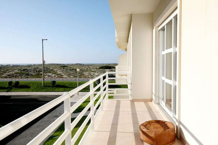 Peniche Surf & Baleal Beachfront