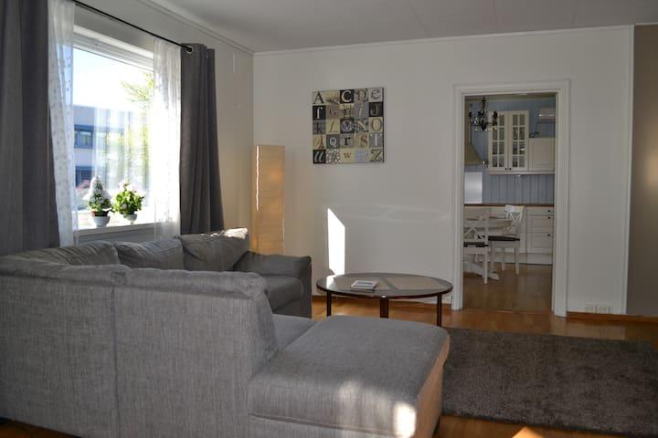 Sentral og koselig leilighet