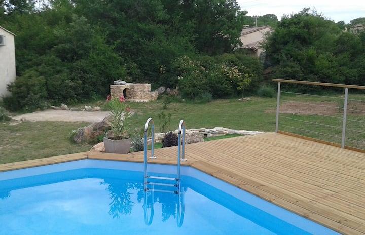 Très joli Mazet avec piscine vue sur les Cevennes