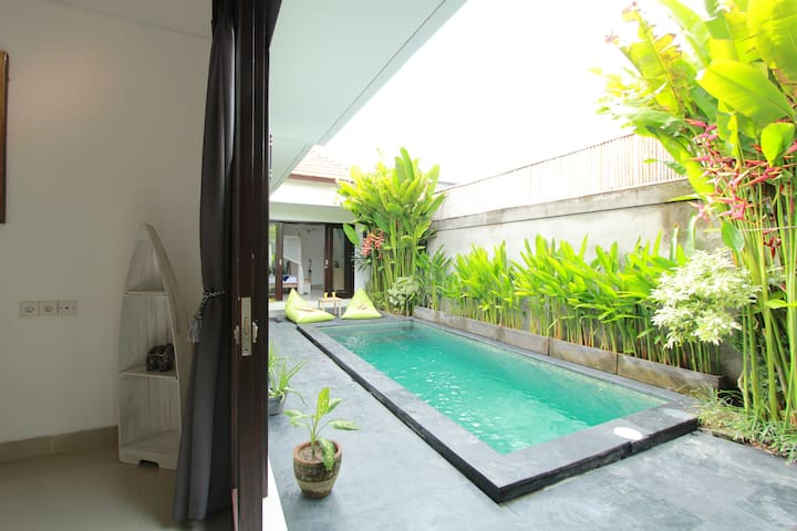 Macaron 5 bedrooms 2 pools Seminyak - Kuta - Vila