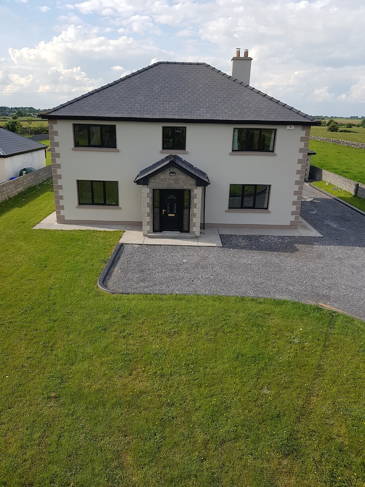 Country View: Entire house in Knockdoe Claregalway