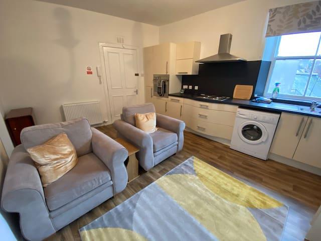 Stylish Georgian Apartment - 2nd Floor