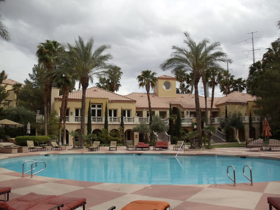 Furnished luxury meridian 2b 2b condominiums for rent - 10 bedroom house for rent in las vegas ...