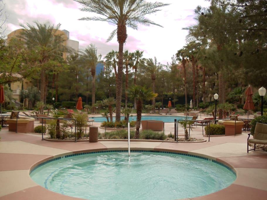 Furnished Luxury Meridian 2b 2b Condominiums For Rent In Las Vegas Nevad