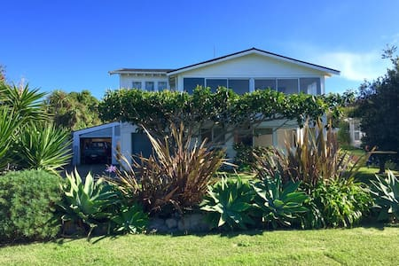 A two bedroom unit less than one minute from the beautiful Wainui beach. For more information regarding the area see our website www.gingerlodgings.com