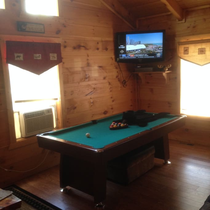 Gatlinburg Getaway 3 Miles Downtown Cabins For Rent In