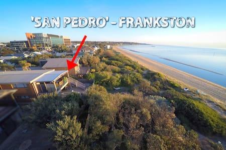 Award Winning Beach Front Villa - Frankston