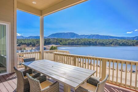 Lakeside Mountain Spectacular! *Hot-tub-Luxurious*