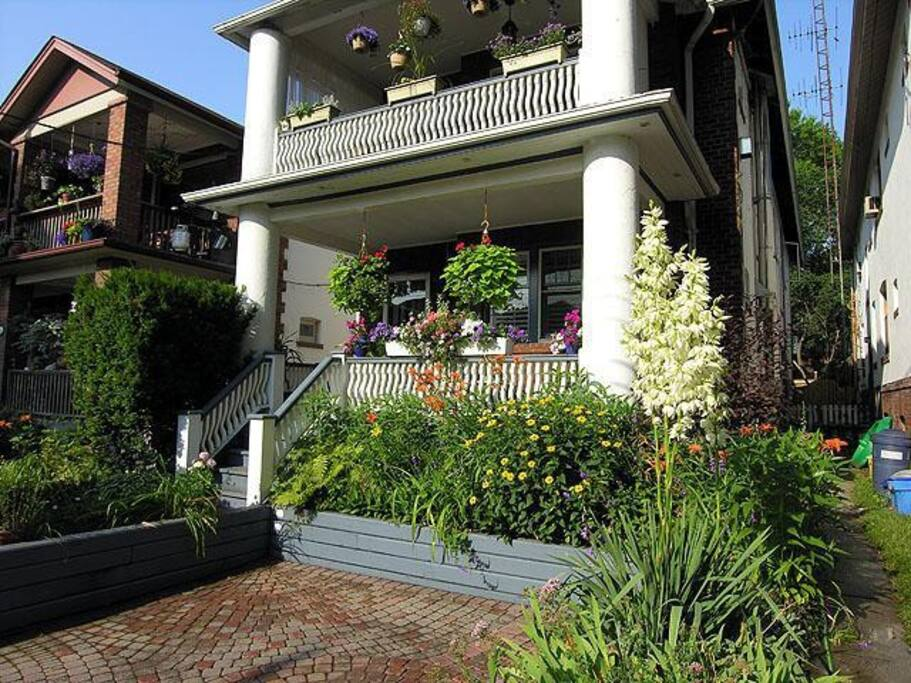 Apartments For Rent Upper Beaches Toronto