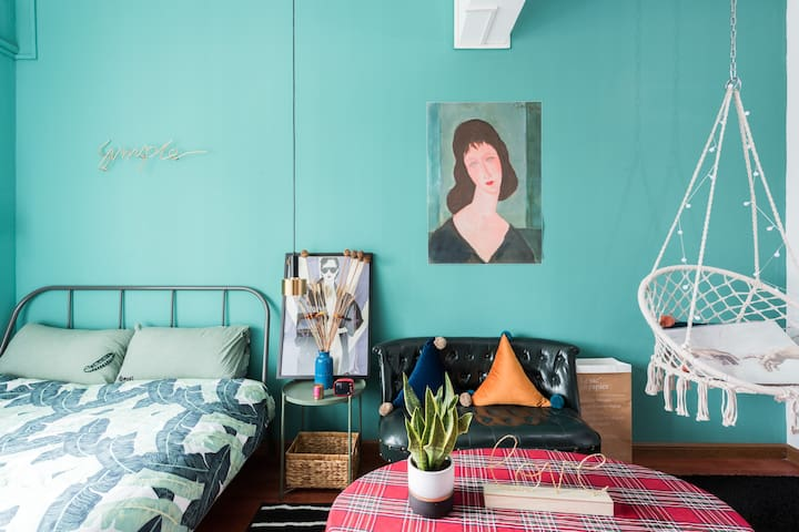 Comfy Teal Blue Double Room with Private Bath
