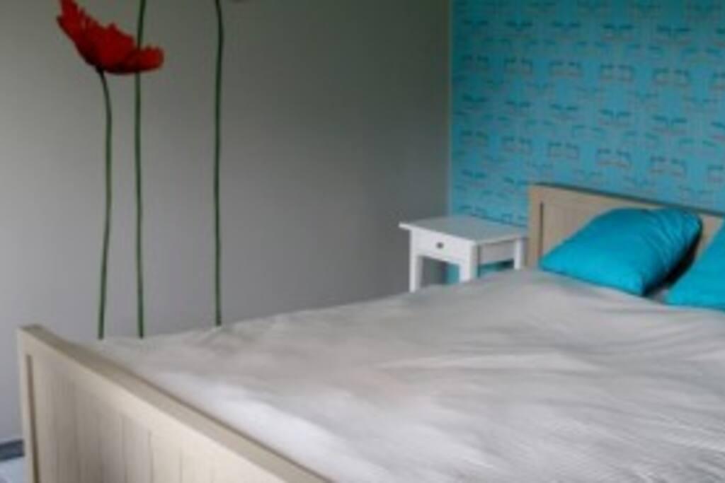 Dubbel king size bed met kwalitatief bedlinnen