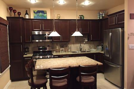 Executive Suite apartment - Pasadena