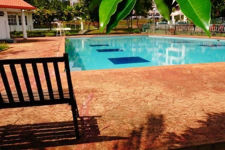 Orange Beverly - Penampang - Leilighet