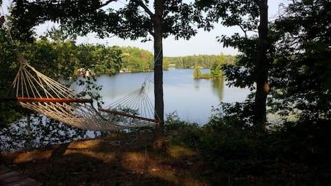 Baxter Lake Point Cottage