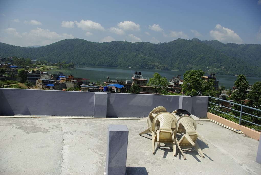 Rooftop with view on Fewa lake, Pokhara Lakeside and World Peace Pagode