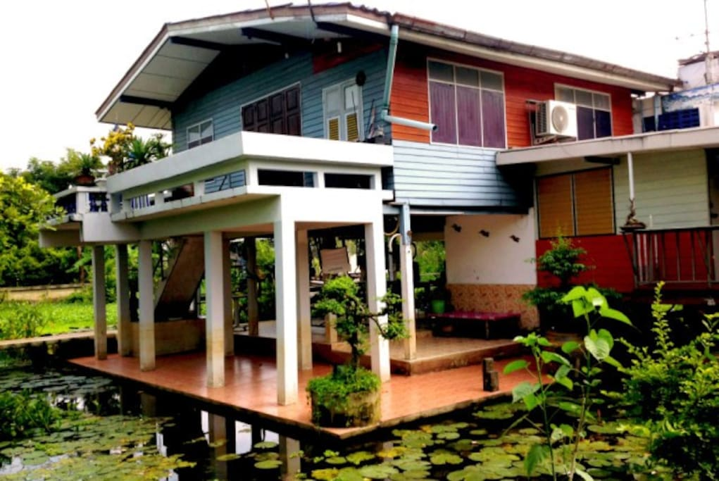 Contemporary thai style house houses for rent in bangkok krung thep maha nakhon thailand A sprawling modern home in bangkok