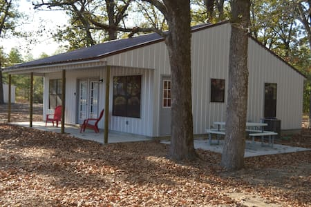 Fox Den Ball game weekend or fishing cabin - Batesville - Cabaña