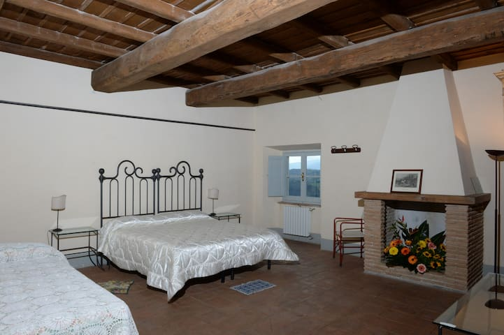 Stanza del Camino - Castel San Pietro - Hrad