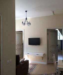 2 bedroom apartment in the center of Khosta, Sochi - Khosta - Apartamento