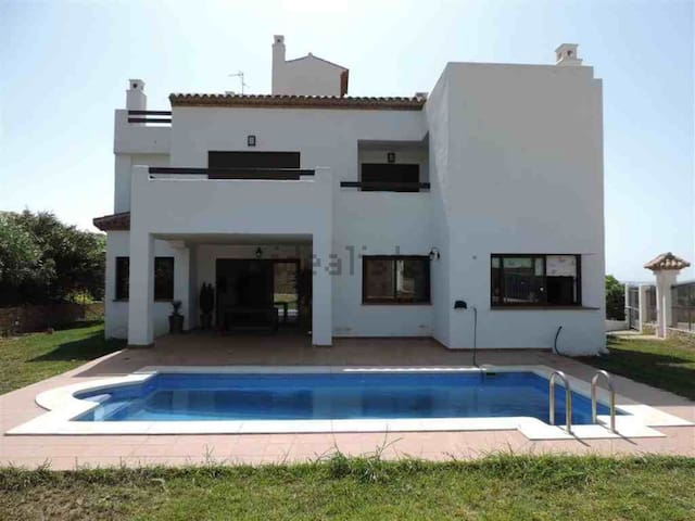 Casares Green Golf House with private pool