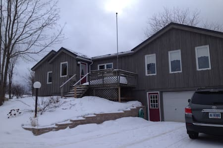 Country home close to Collingwood! - Duntroon - Haus