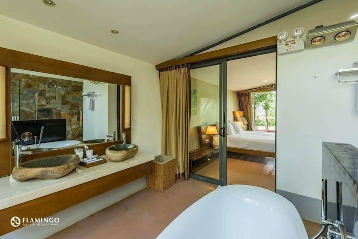 Flamingo 1 Bedroom|Forest Villa