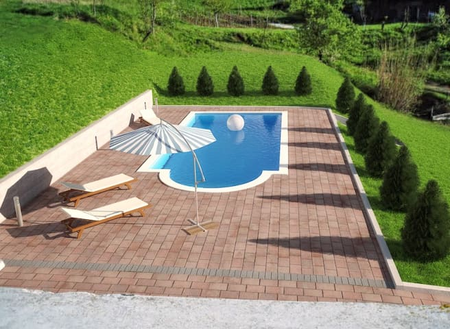 Groundfloor apartment sharing pool - Mala Huba - Byt