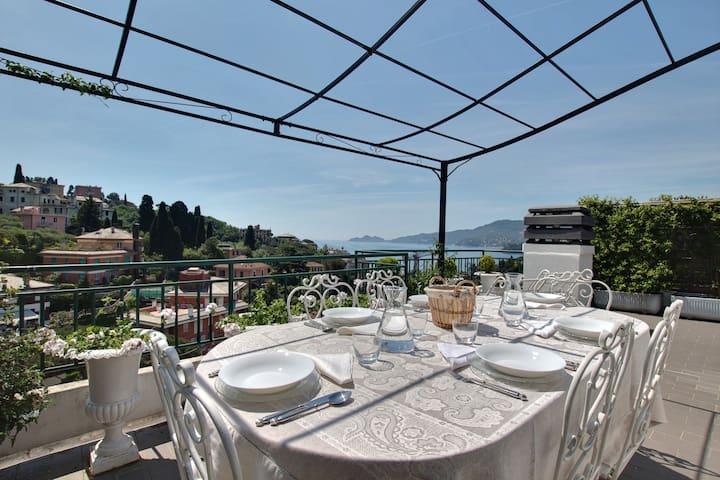 Attico shabby e terrazza con vista - Rapallo - Apartemen