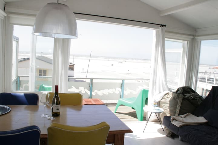 Charming beach house near Amsterdam - IJmuiden - House